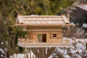 Vogelfutterhaus selber bauen Typ Linden